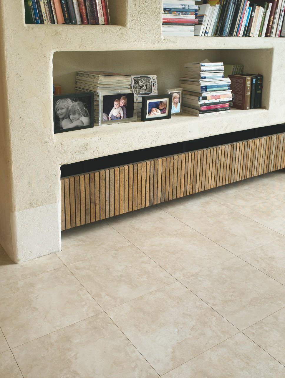 travertin sol affordable ne pas oublier de vrifier la planit des carreaux with travertin sol. Black Bedroom Furniture Sets. Home Design Ideas