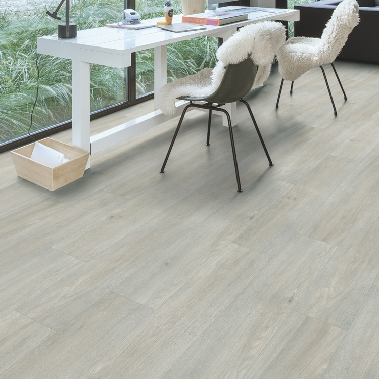 Light grey Balance Click Plus Vinyl Silk oak light BACP40052