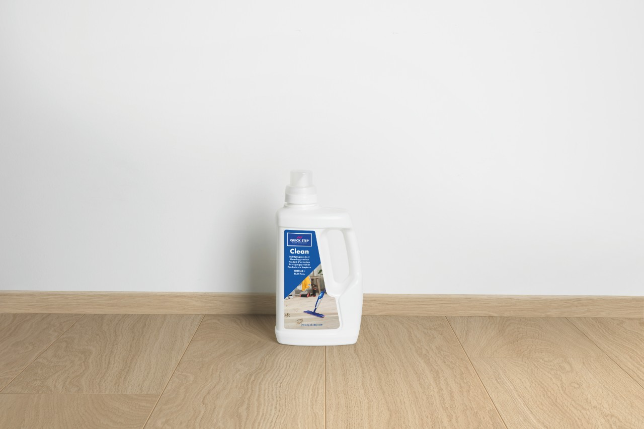 QSCLEANING1000 Laminaattilisävarusteet Maintenance Product 1L QSCLEANING1000