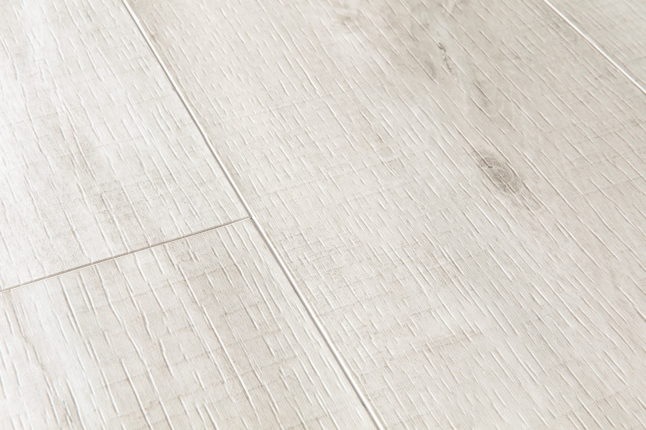 Bacl40128 canyon oak light with saw cuts beautiful for Quick step flooring ireland