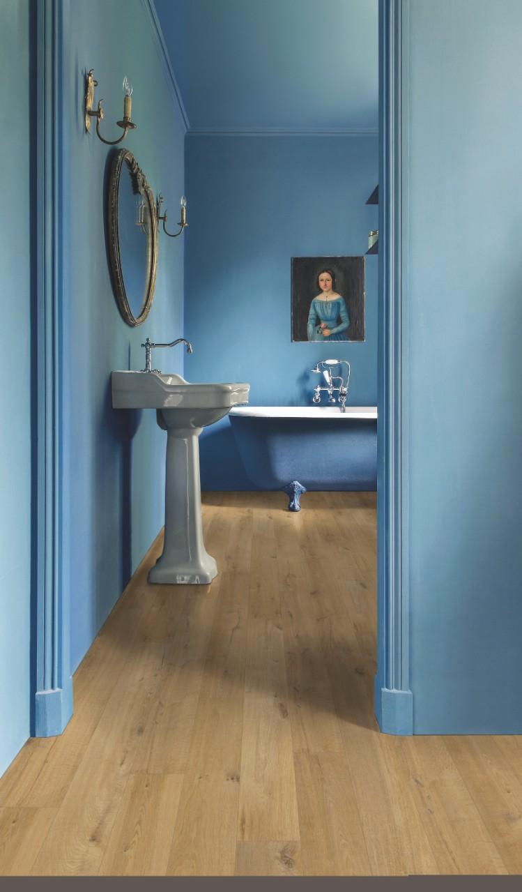 Imu1855 soft oak natural beautiful laminate wood for Soft laminate flooring