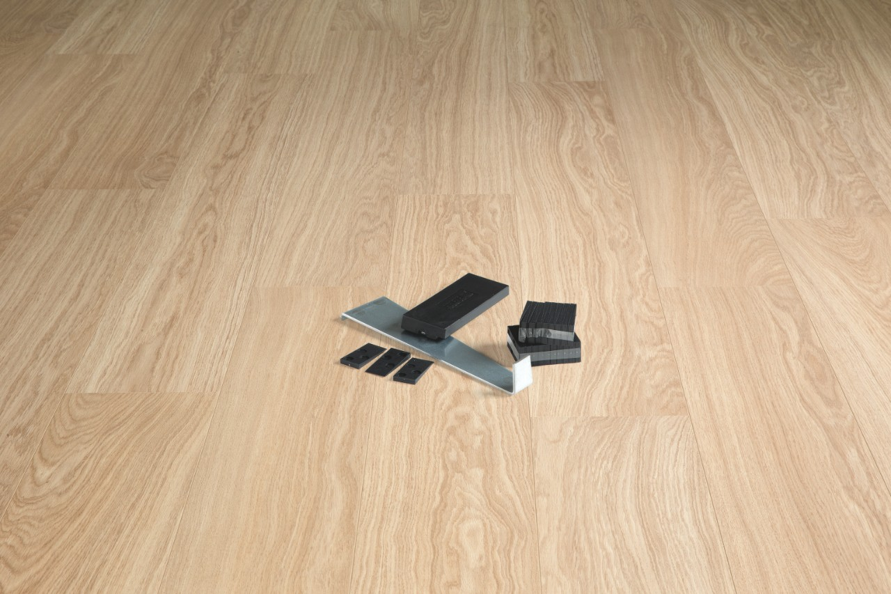 how to lay laminate flooring installing quick step laminate quick. Black Bedroom Furniture Sets. Home Design Ideas