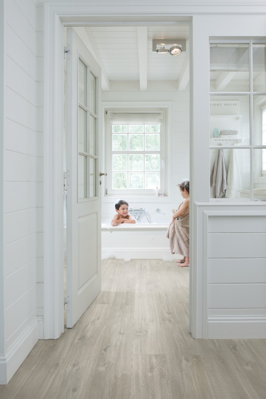 start sch ne laminat holz und vinyl b den. Black Bedroom Furniture Sets. Home Design Ideas