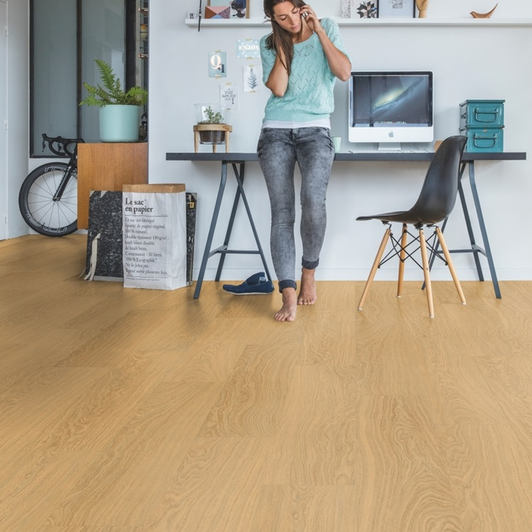Natural Pulse Click Vinyl Pure oak honey PUCL40098