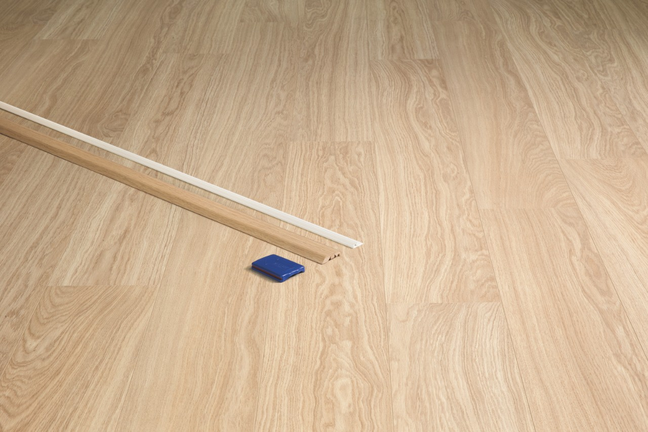 QSINCP Laminate Accessories Natural varnished oak QSINCP00896
