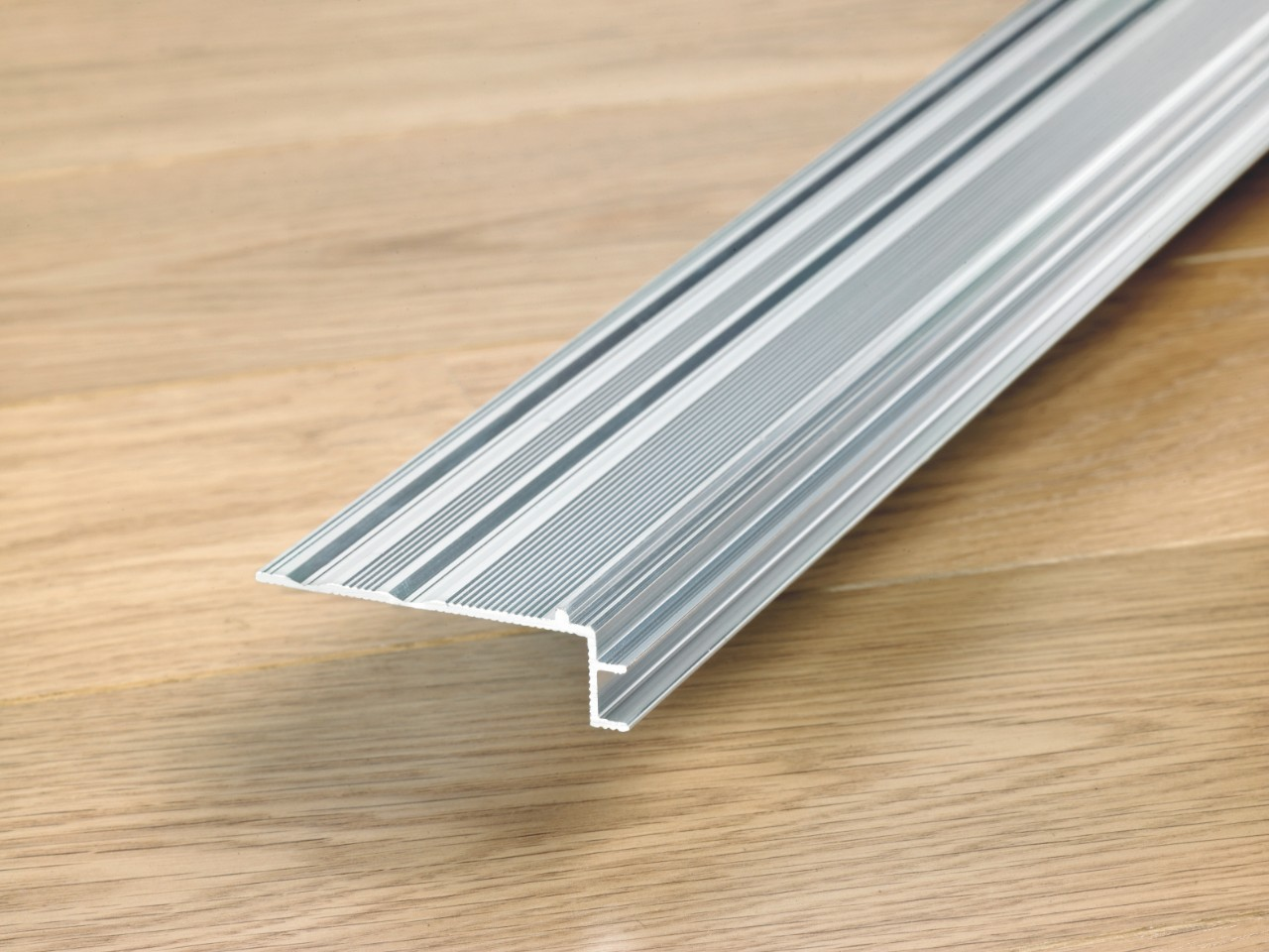 NEINCPBASE Laminate Accessories Incizo Aluminium Subprofile For Stairs NEINCPBASE7