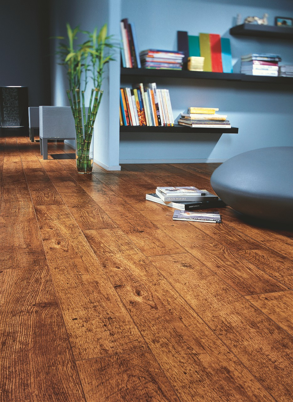 Dark brown Perspective Laminate Antique oak UF861
