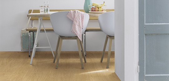 Sols quick step sols stratifi s sols en vinyle et parquets for Quickstep kitchen flooring