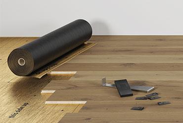 Простой монтаж напольного покрытия из твердой древесины