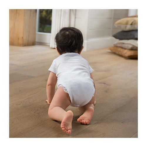 Meistriškai ir rūpestingai pagamintos kietmedžio grindys