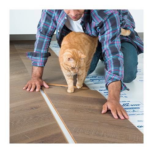 Lengvai suneriamos medienos grindys