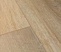 Vinyl flooring with a matt finish