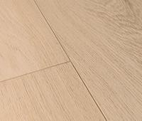 Piso de vinil com estrutura de madeira natural
