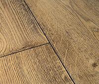 Vinylböden mit rustikaler Fase