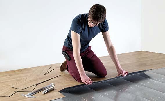 so verlegen sie ihren vinylboden laminat holz und. Black Bedroom Furniture Sets. Home Design Ideas