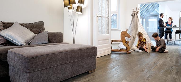 Wood floor in kitchen Quick-Step Variano