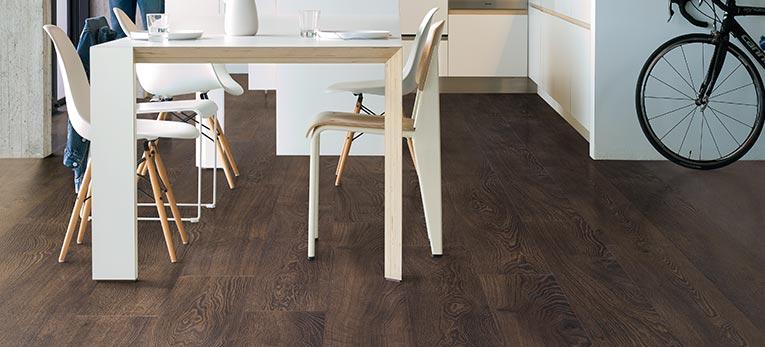 Quick-Step Laminat in Ihrer Küche | Laminat-, Holz- und Vinylböden
