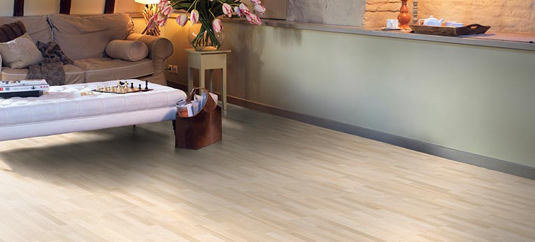 Maple Laminate Flooring Creamy White Natural Charm Quick Step