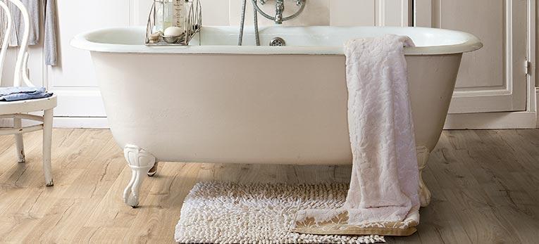 Breng het warme gevoel van hout in je badkamer   Quick-Step.be