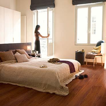 suggerimenti e trucchi per gli interni bellissimi pavimenti in laminato legno e vinile. Black Bedroom Furniture Sets. Home Design Ideas