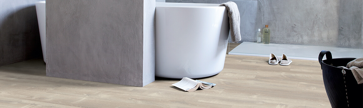 Wählen Sie den perfekten Badezimmerboden | Laminat-, Holz- und ...