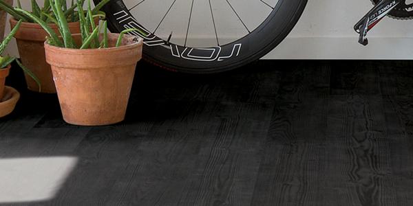 Zwarte vloer: laminaat, vinyl of parket? | Quick-Step | Officiële Quick-Step -website