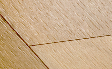 Laminate flooring with elegant wood structure