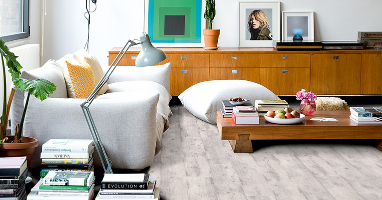 De strakke look van beton de voordelen van laminaat en vinyl