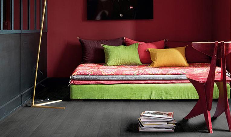 Hoe gebruik je donkere vloeren in je interieur?