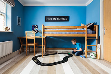 Kids room with laminate floor - Quick-Step Impressive