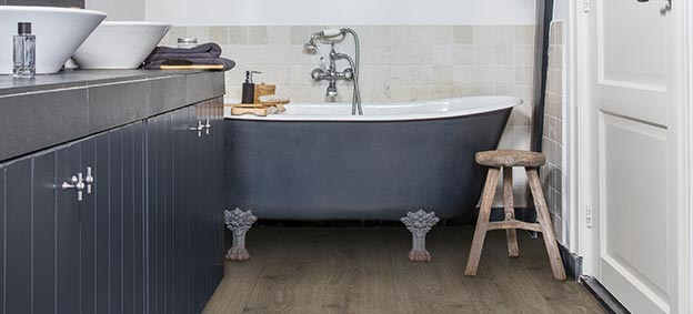 Quick-Step Laminate Majestic Woodland oak brown, bathroom